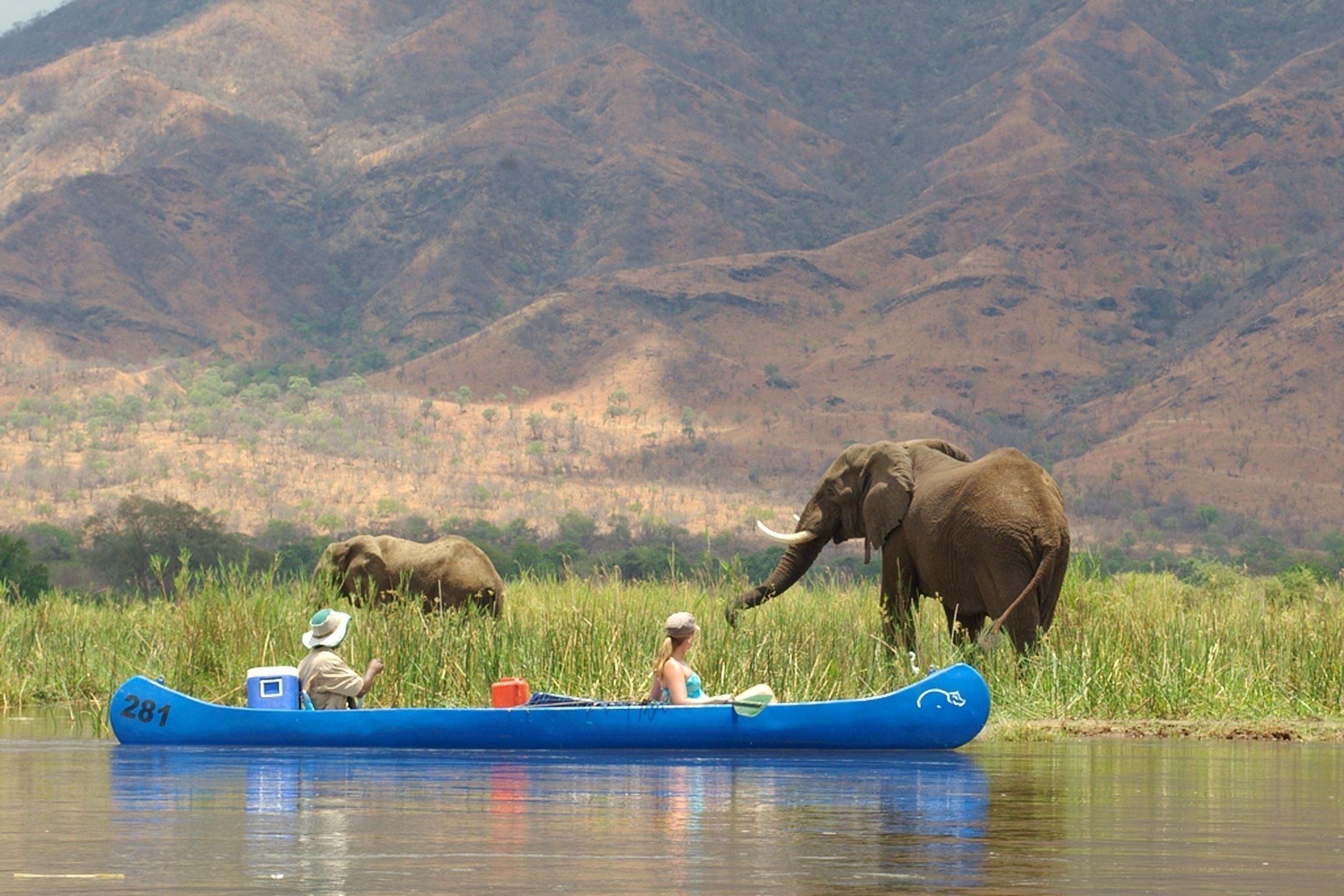 4-Day Zambezi Island Canoe Trail - Zambia and Zimbabwe Itinerary