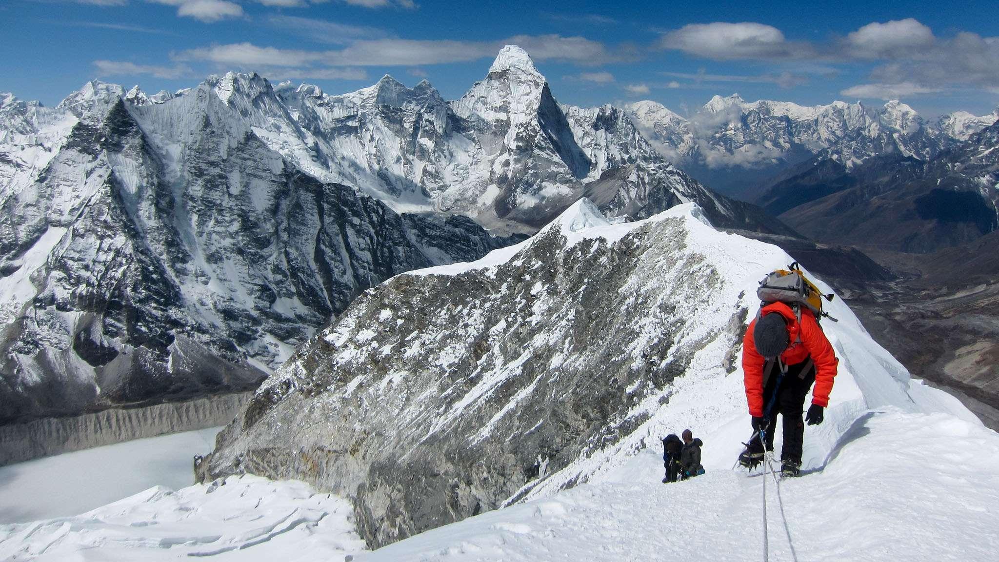 18-Day Island Peak Climb & Everest Base Camp - Nepal Itinerary